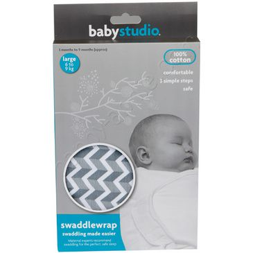 Large Cotton Swaddlewrap in Chevron Grey by BabyStudio | Swaddle for Baby