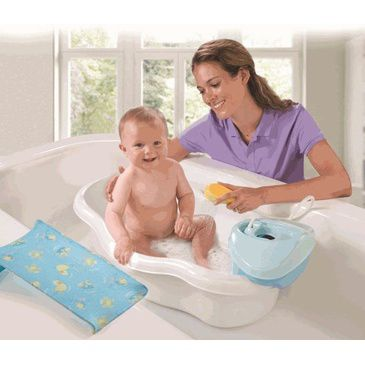 Newborn-to-Toddler Baby Bath Center & Shower - Splish Splash