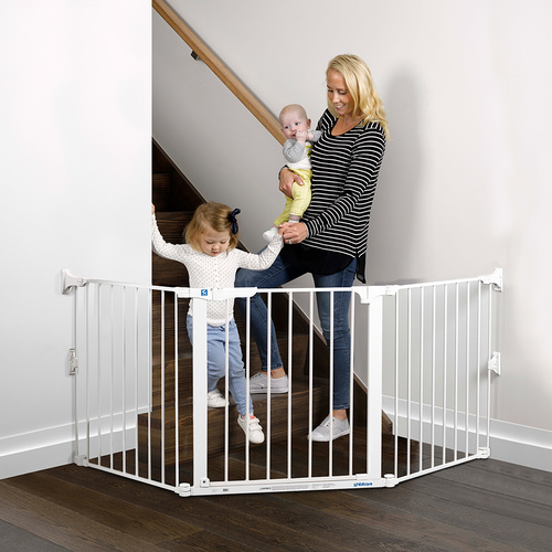 Childcare Baby Safety Flexi Gate - White